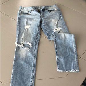 Distressed skinny crop jeans